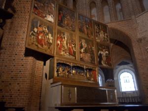 Ołtarz główny w katedrze 3434